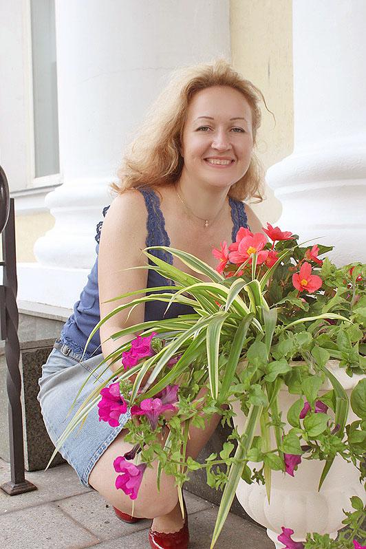 Tiana (44) aus Kattowitz auf www.wege-zum-glueck.net (Kenn-Nr.: w10406)
