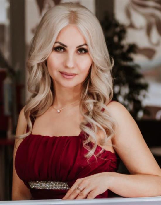 Lorena - Emilia (43) aus Warschau auf www.wege-zum-glueck.net (Kenn-Nr.: d00845)