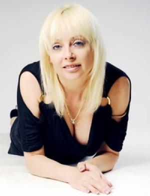 Ina (42) aus Agentur M... auf www.wege-zum-glueck.net (Kenn-Nr.: d00112)
