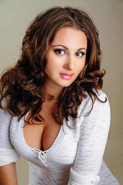 Kamila (50) aus Kiev, jet... auf www.wege-zum-glueck.net (Kenn-Nr.: d00199)