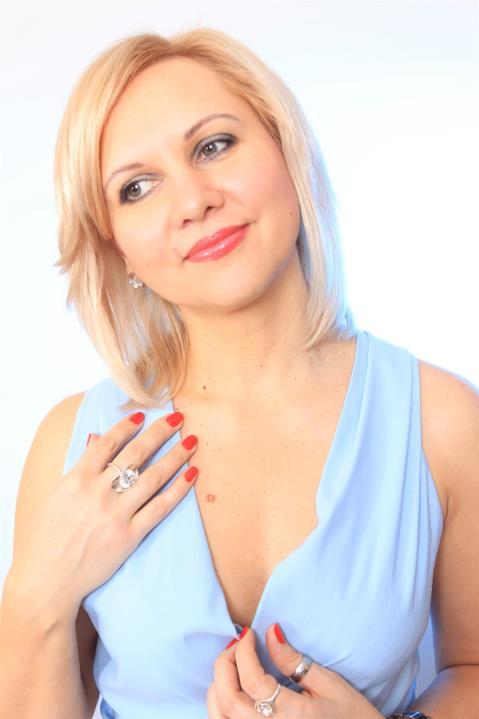 Viktoria (43) aus Poznan auf www.wege-zum-glueck.net (Kenn-Nr.: d00218)