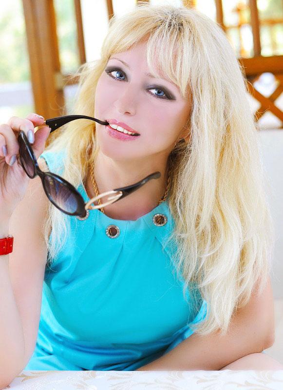 Edyta (49) aus VIP Agent... auf www.wege-zum-glueck.net (Kenn-Nr.: d0015)