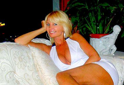 Renata (48) aus VIP Agent... auf www.wege-zum-glueck.net (Kenn-Nr.: d0018)