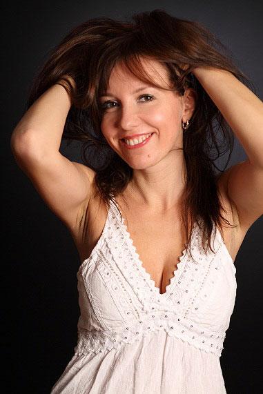 Gelya (40) aus VIP Agent... auf www.wege-zum-glueck.net (Kenn-Nr.: d00133)